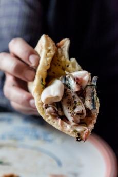 Calamaretti, Seppioline, Alici fresche, aglio e origano
