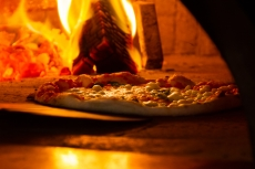 Solo Pizza in Fire